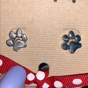 Jewelry - Paw print earrings